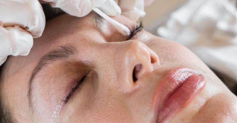 The Woodward Laser Lash Lift: The Lure of Lashes